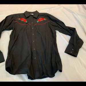 COUNTRY CHARMERS BLACK W/ RED FLORAL ACC SHIRT MED